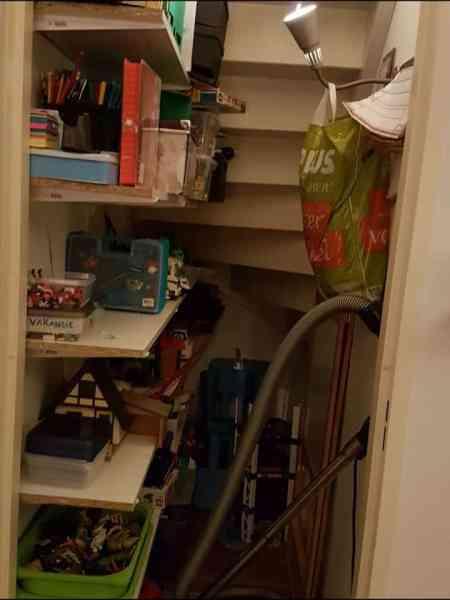 Gebarenles: Speelgoed, speelgoed uitzoeken en ruimen.