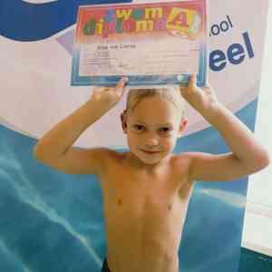 Zoektocht naar de juiste wijze van zwemles
