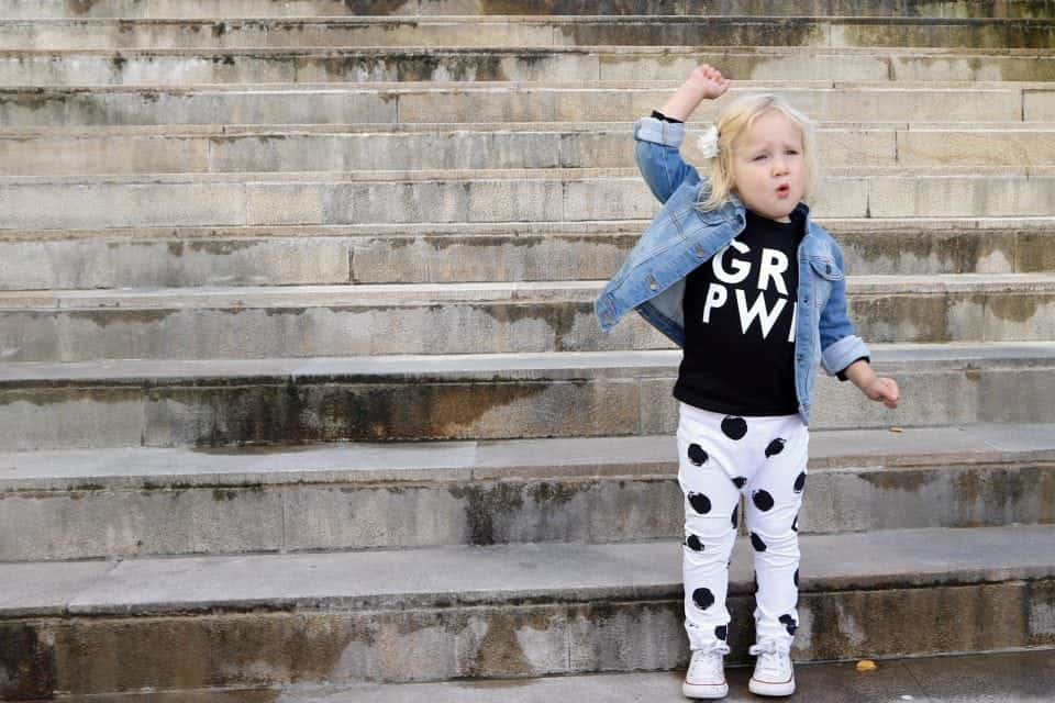 Girlpower outfit momambition