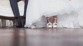 bride, groom, wedding, matrimonio, sposa, sposo, feet, piedi, carlotta f., moma style, guida al matrimonio