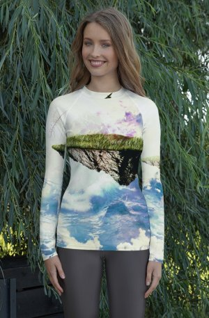 Limitless -Women's Rash Guard-01