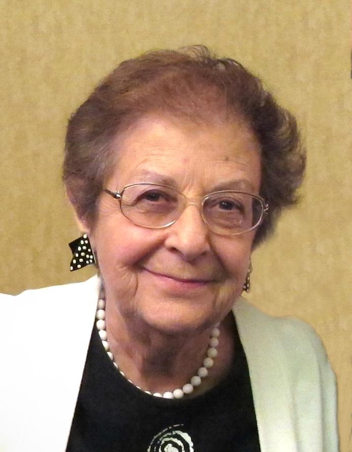 Eileen Lavine Headshot