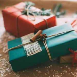 Thoughtful Last Minute Gift Ideas for Moms