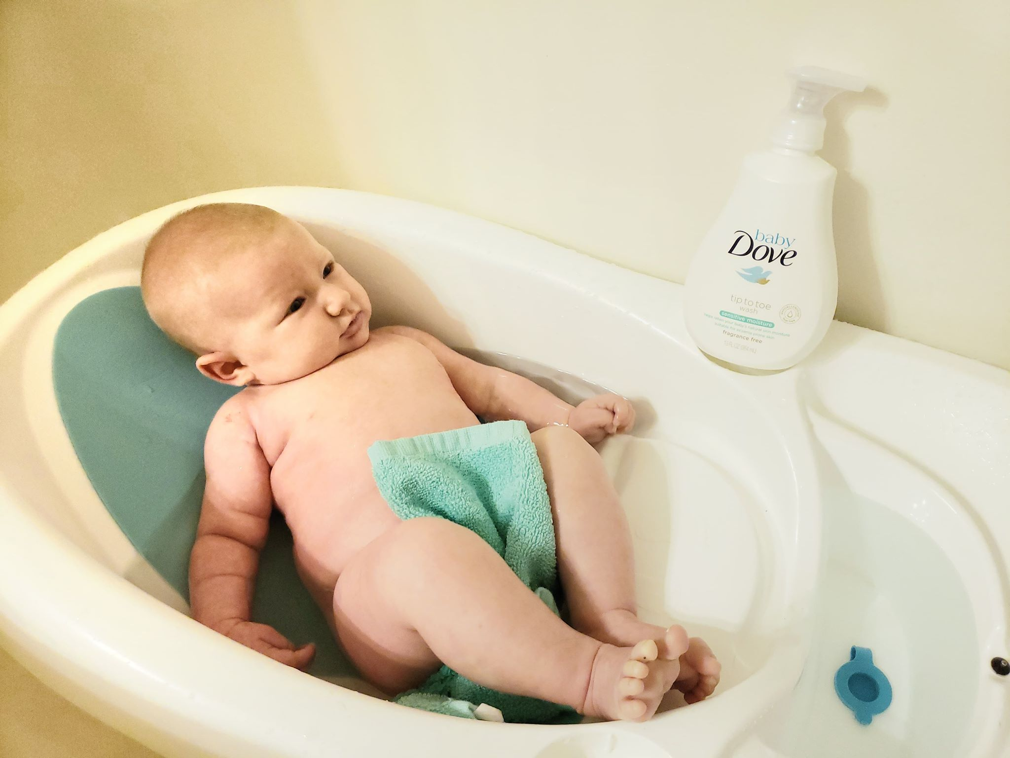5 Tips to Make Baby\'s First Bath Relaxing – Mom Life in the PNW