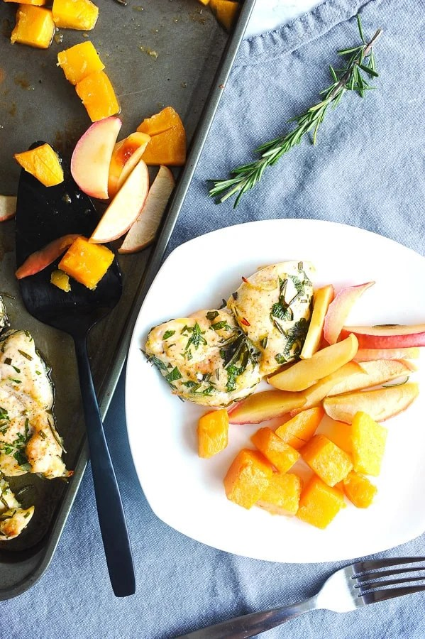easy baked chicken is a simple dinner recipe that is family friendly and is a 30 minute meal that is healthy