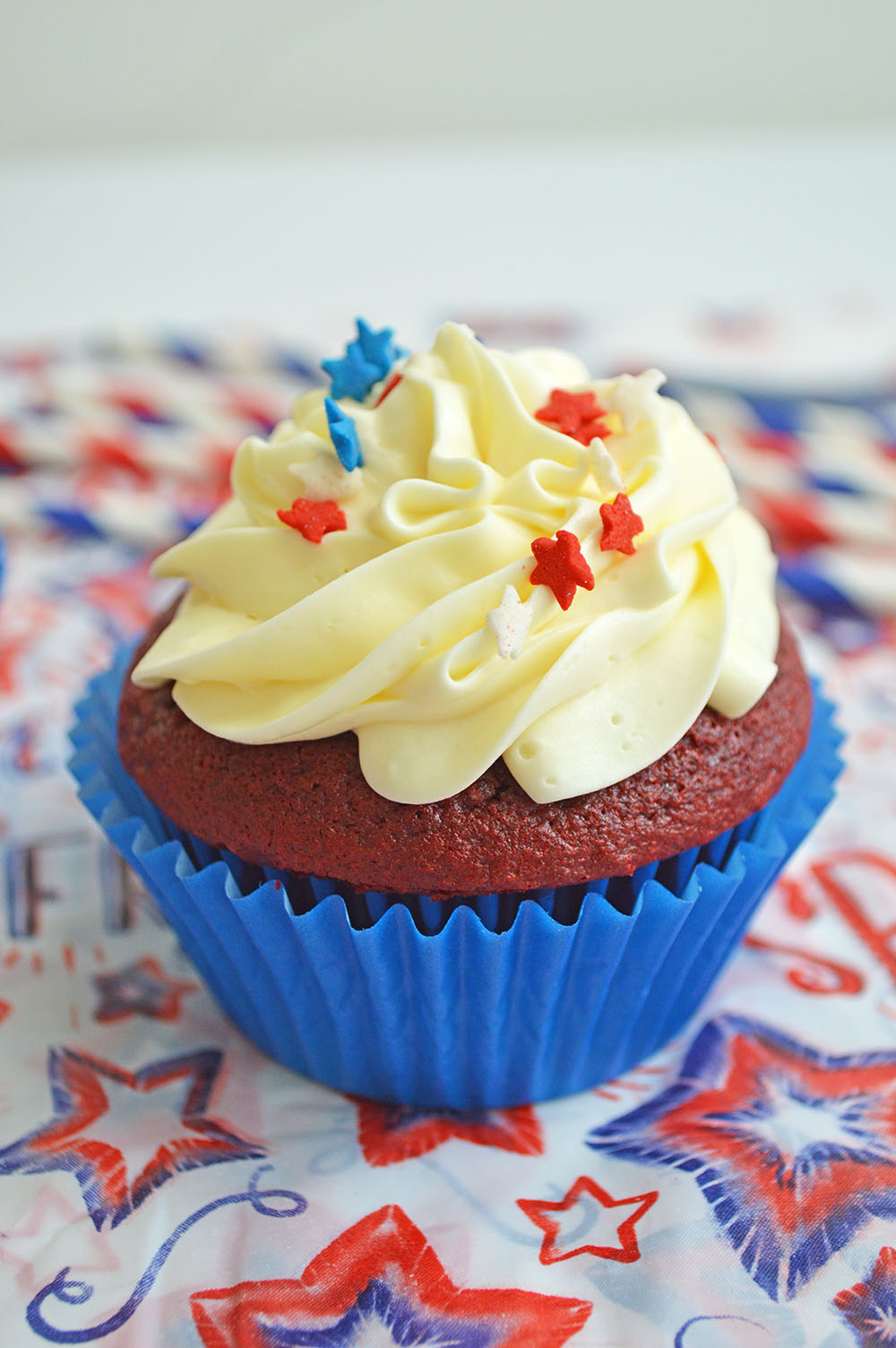 Patriotic Baking Cups With Picks 200 pc