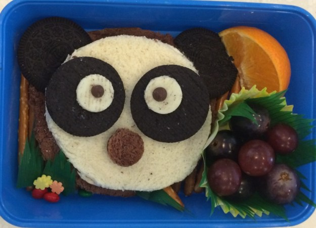 I super love Thammie Sys panda bear creation. This one doesnt look that hard to make, no?