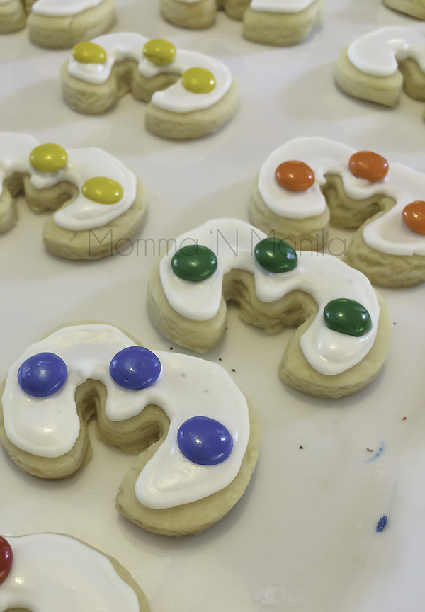 I also baked small sugar cookies with 3 little m&m's. I sealed these in little plastic pouches because I didn't want it to get extra soggy if packed with all the food.