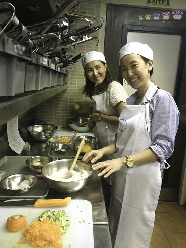 Tina and Cai jumped right into prepping their dishes too!