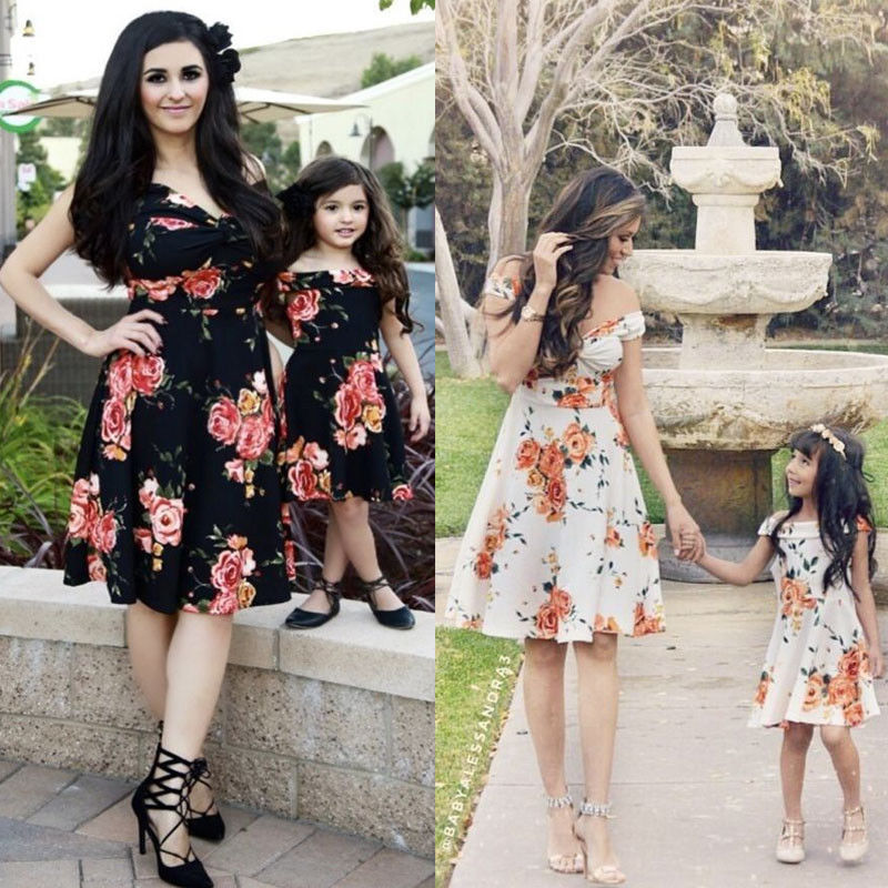 Retro floral mommy and me dresses http://www.mommininapinch.com/mommy-me-dresses/