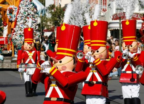 Soldiers in the Christmas Fantasy Parade, Disneyland