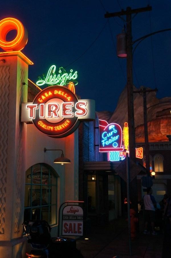 Luigi's Tires Ride and Shops, Carsland, Disney's California Adventure