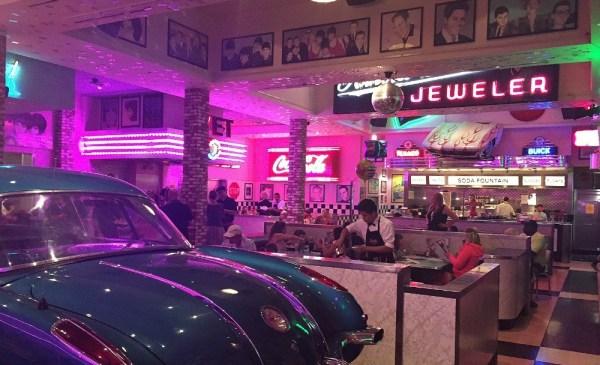 Corvette Diner Family Restaurant, San Diego