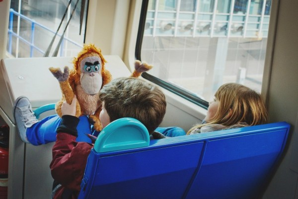 Kids on the train, Flickr, Lena Vasiljeva