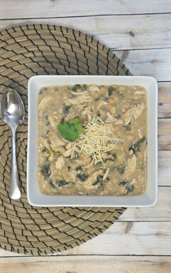 Hearty Chicken, Kale and White Bean Chili Recipe