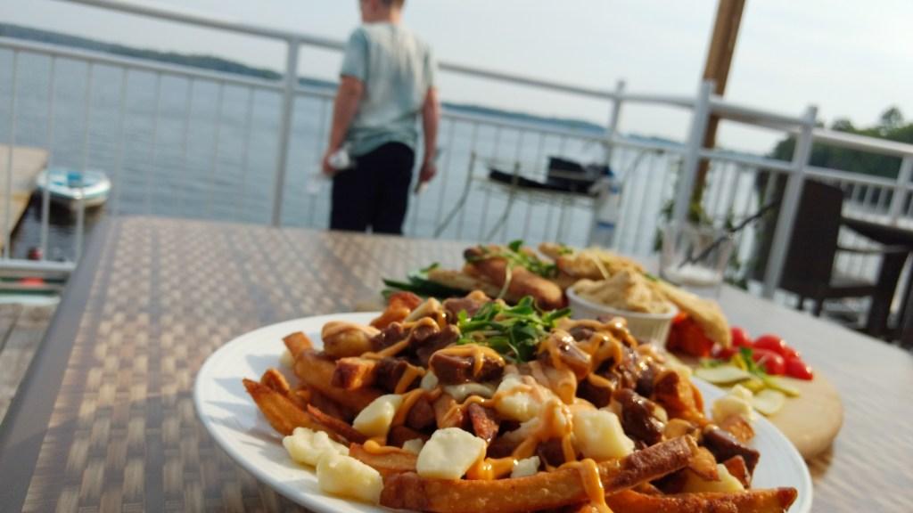 Viamede Resort's Boathouse Pub