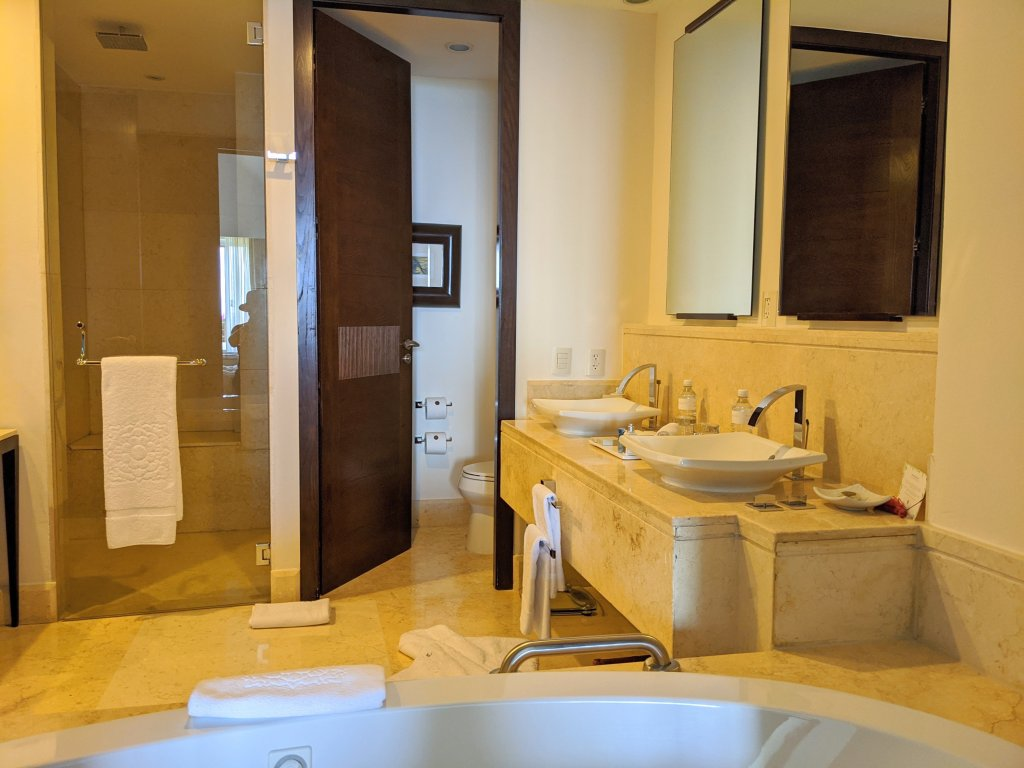 grand-velas-riviera-maya-bathroom