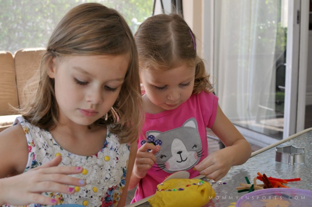 Thanksgiving Play Dough Girls
