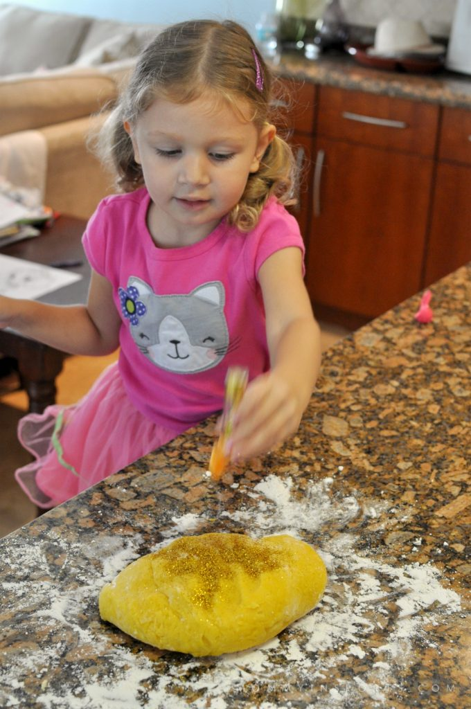 Thanksgiving Play Dough Glitter