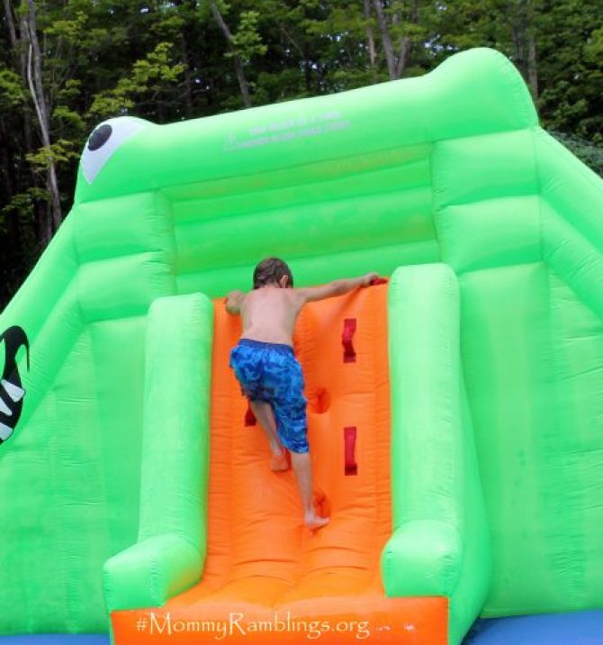 Croc-Isle-Water-Slide-Blast Zone