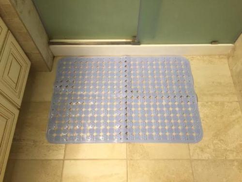 bath mat 1