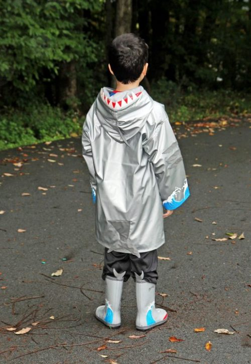 kidorable-shark-raincoat-4