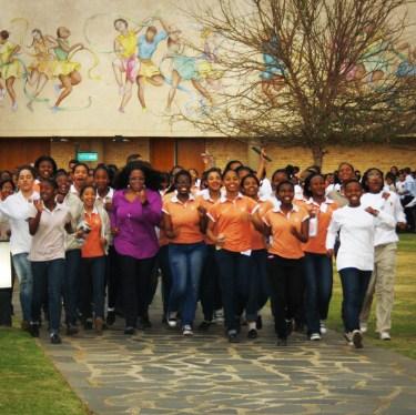 Omron Alvita Ultimate Pedometer & Oprah's The Fittest School Challenge   Mommy Runs It