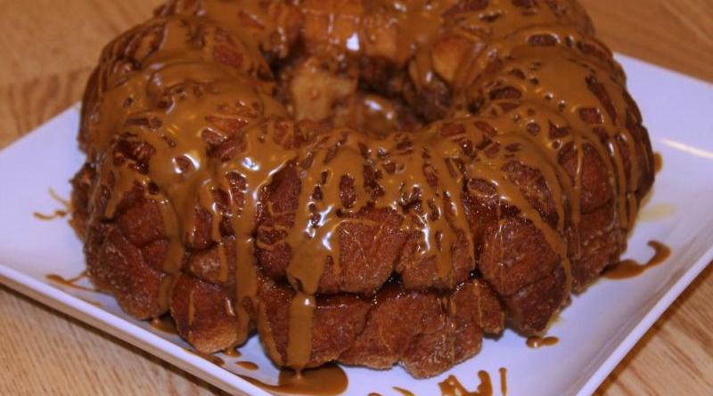 30 Days of Christmas Sweets: Cookie Butter Monkey Bread #ChristmasSweets