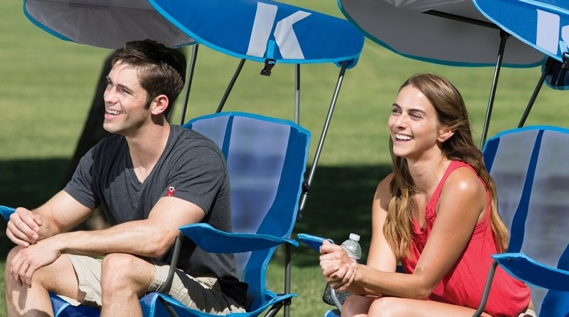 The Kelsyaus Original Canopy Chair is the perfect companion for your family camping trips, tailgating, and watching the kids from the sidelines! #Swimways #CanopyChair #CampChair