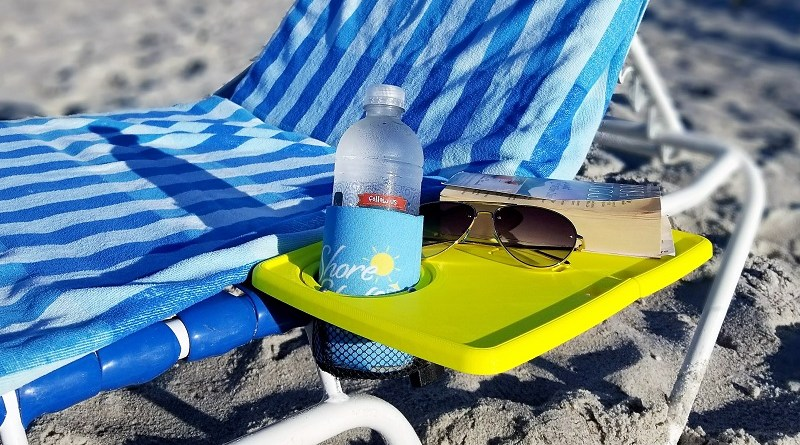 Beaching has never been more relaxing! Learn more about the Shore Shelf at Mommy's Playbook #Beaching #BeachLife