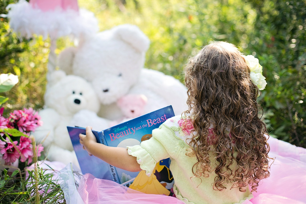 Top 11 Ways to Help Your Kids Love Reading by Bookroom Reviews