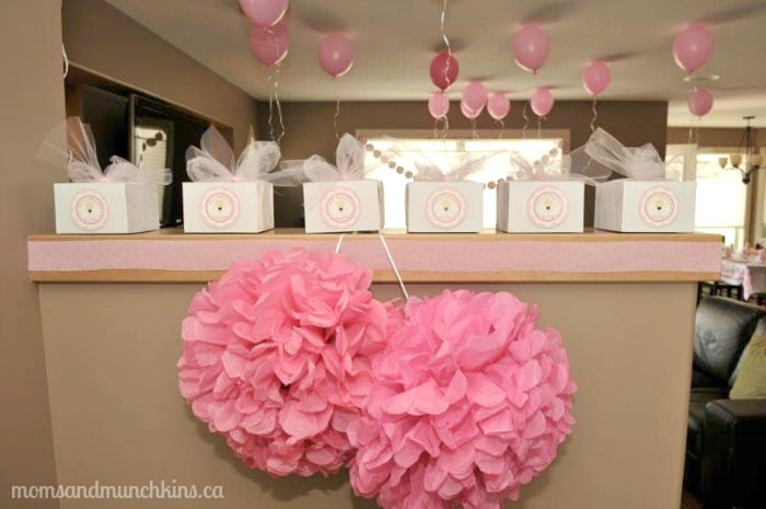 Pink cupcake decorating ideas for Cupcake home decorations