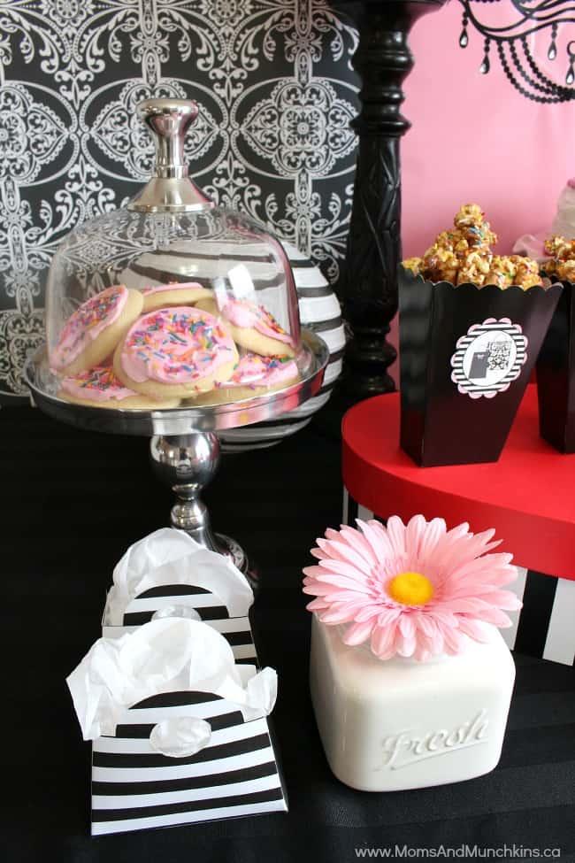 Mall Scavenger Hunt Birthday Party Moms Amp Munchkins