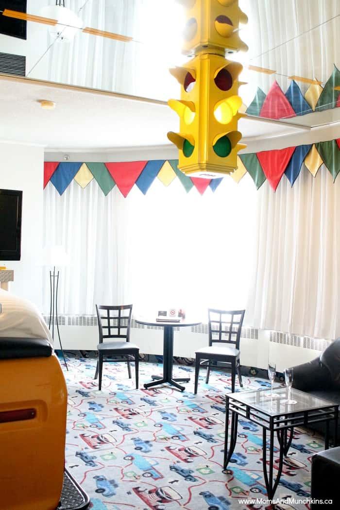 Luxury Theme Rooms Fantasyland Hotel Moms Amp Munchkins