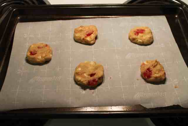 White Chocolate Chip and Maraschino Cherry Cookies - www.momwithcookies.com #cookies #recipe #maraschinocherry #whitechocolatechipcookies #dessert #baking