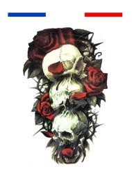 Tatouage tête de mort roses réaliste