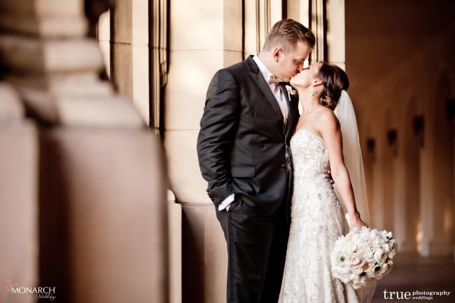 beautiful-bridal-bouquet-prado-balboa-park-wedding-san-diego-wedding-planner