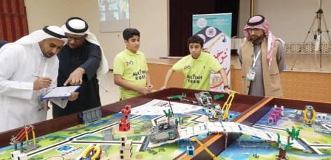 تكريم مدارس الأحساء الفائزة في أولمبياد الروبوت