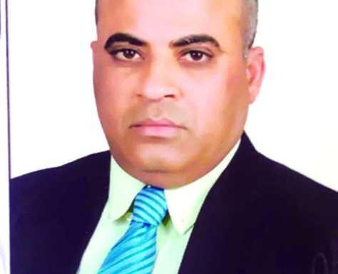 الزميل محمود العوضي يحتفي بنجاح ابنتيه