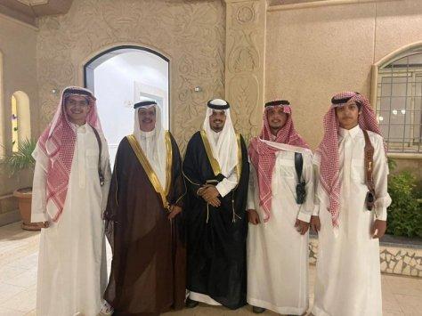 """""""ابن قزان"""" يحتفل بزواج """"سلطان"""" في الرياض"""