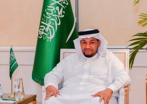 """""""العنزي"""" يحصل على دبلوم الإعلام والعلاقات العامة من جامعة الملك سعود"""