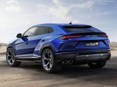 Lamborghini Urus bleu