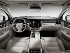 Volvo S60 2019 au volant