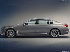 BMW Série 7 2020 de profil