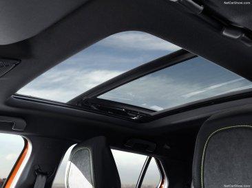 Peugeot 2008 2020 toit ouvrant panoramique