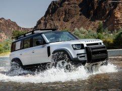 Galerie Land Rover Defender 2020 version 110 dans l'eau