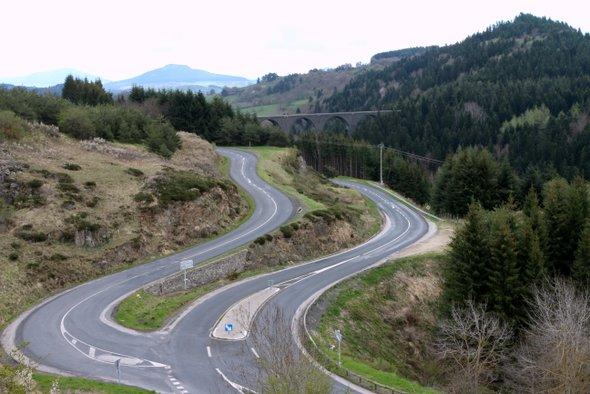 routes-lacets-auvergne
