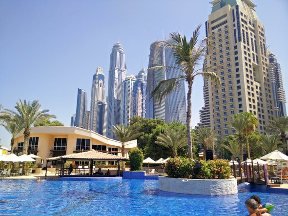 habtoor-hotel-pool