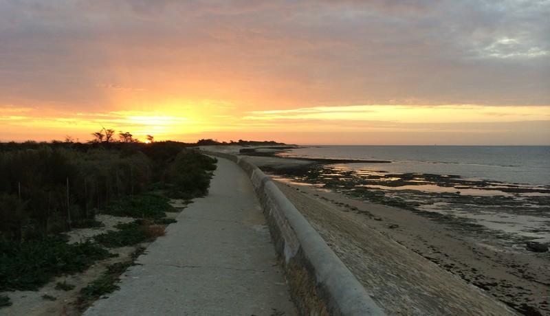 lever de soleil sur l'ile de ré