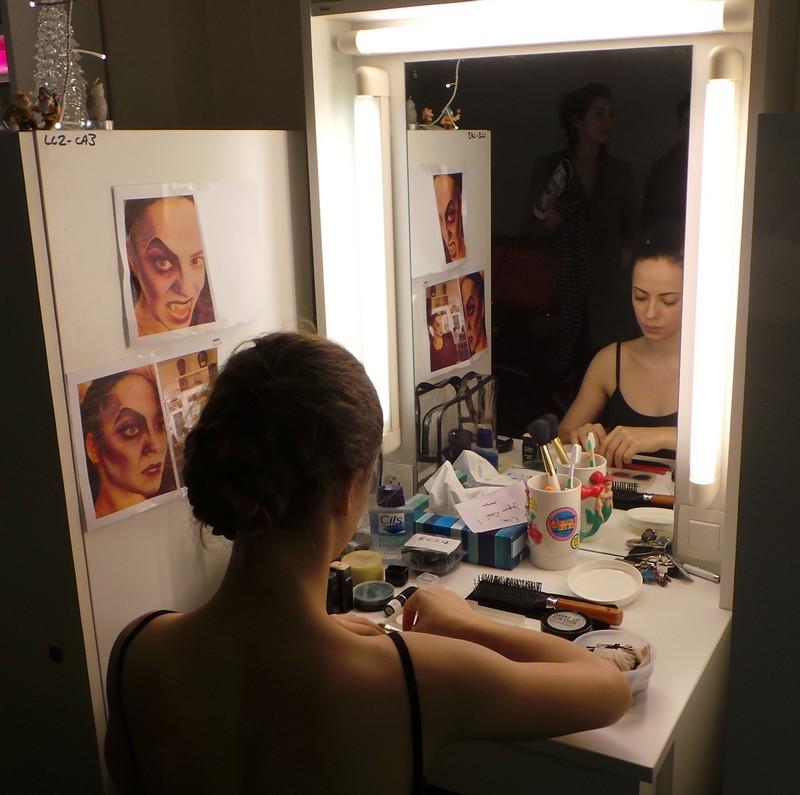 Bal des vampire Mogador - maquillage de vampire en solo